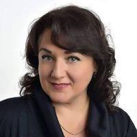 Заслужена артистка України Ганна Довбня